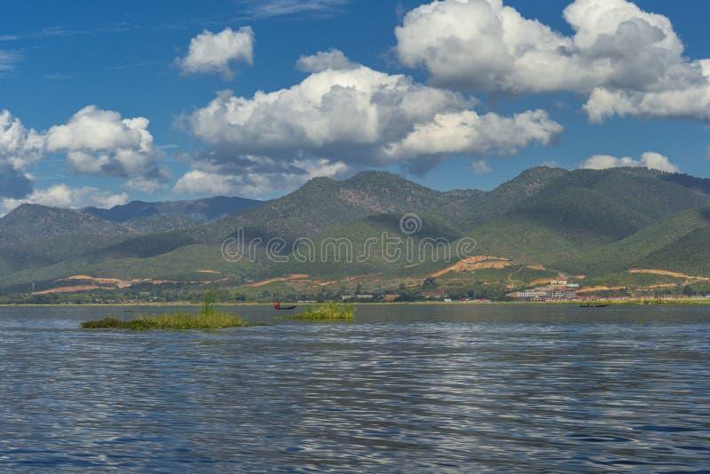 水的在高跷,Inle湖木房子在缅甸 库存照片