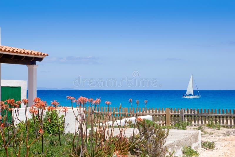 水色calo ES escalo formentera地中海北部 免版税库存图片