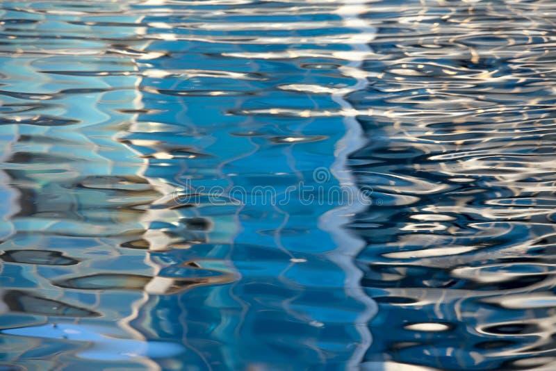 水蓝色地表电波背景 免版税库存照片