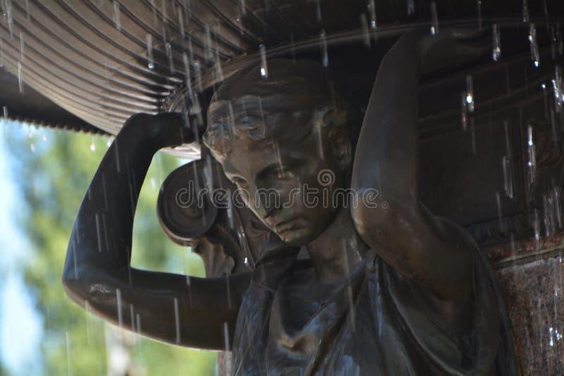 水跌下Skidmore喷泉在波特兰,俄勒冈 免版税库存图片