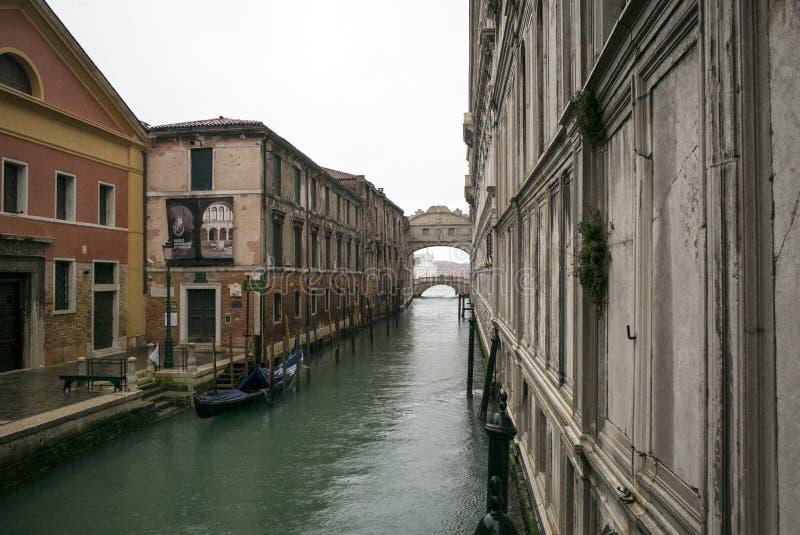 水路在威尼斯,沿运河的意大利 库存图片