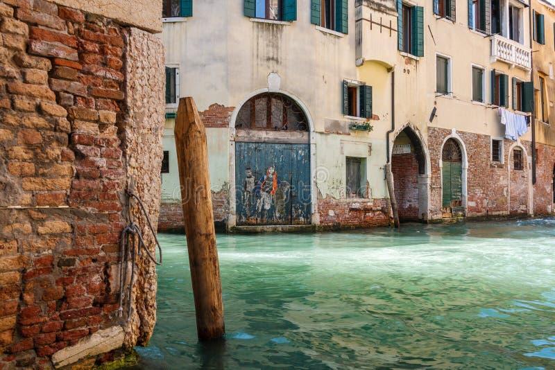 水路运河在威尼斯,意大利 免版税库存图片