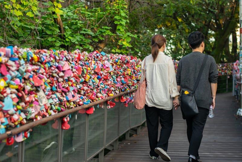 汉城,韩国- 2018年9月17日:锁住钥匙Vareity  库存图片