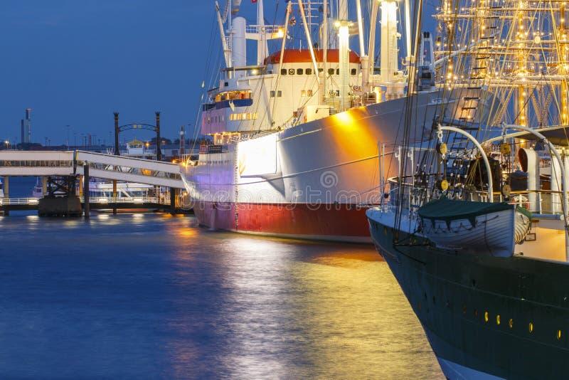 汉堡在着陆跳船的博物馆船口岸  免版税库存图片