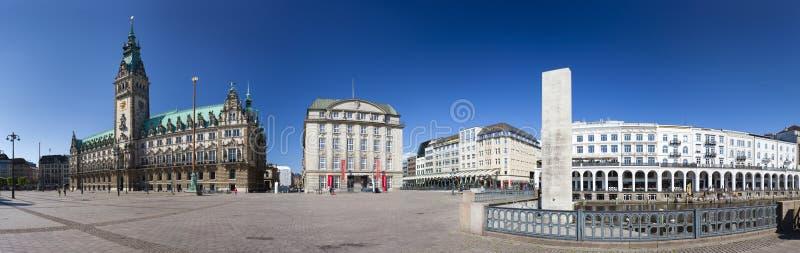 汉堡城镇厅全景,社论 免版税库存照片