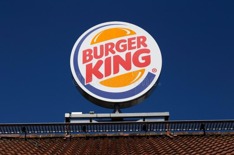 汉堡王屋顶上面标志 免版税库存照片