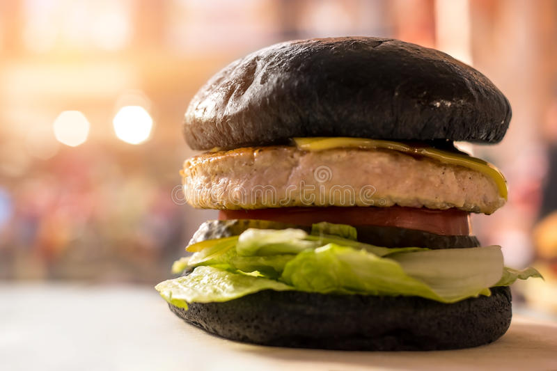 汉堡用黑小圆面包 库存图片