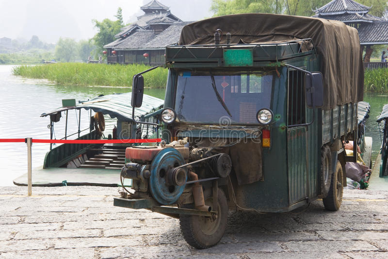 汉语动力化了三运输轮子 免版税库存图片