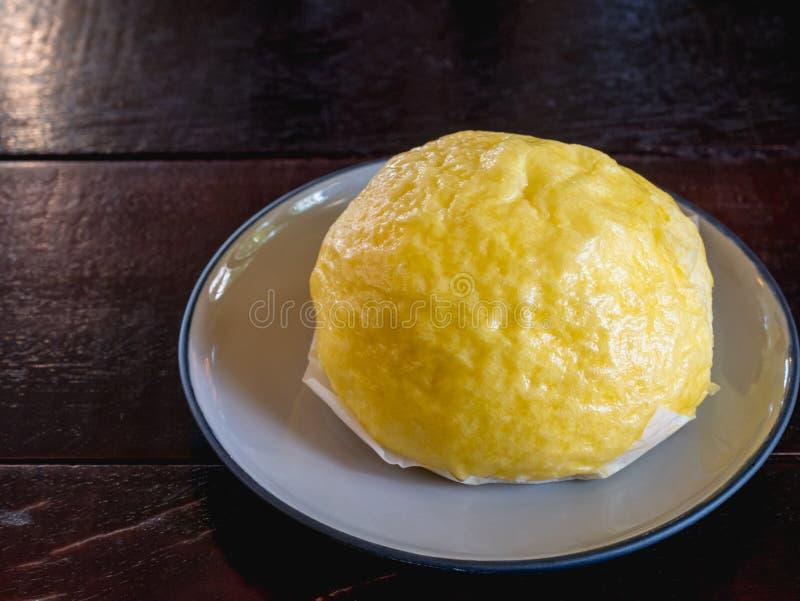 汉语在板材的蒸的小圆面包 免版税库存照片