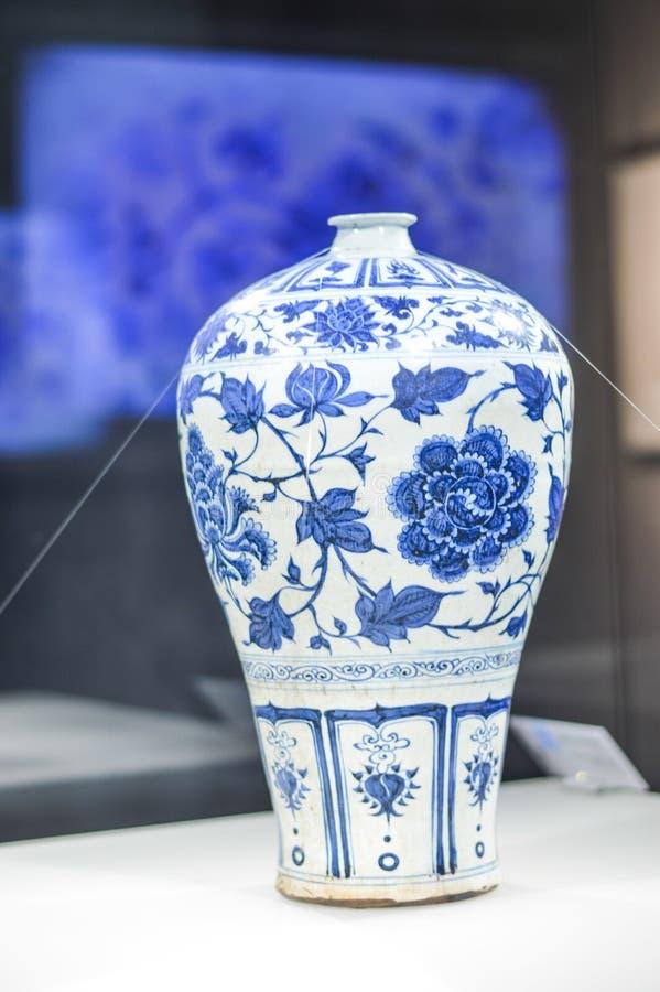 汉语宋朝蓝色和白色瓷 库存图片