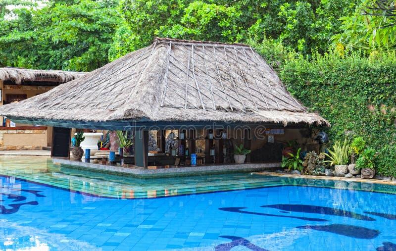 水池在旅馆里在热带 图库摄影