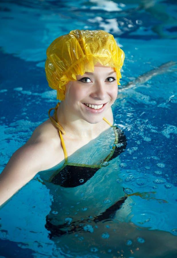 池游泳妇女年轻人 库存图片