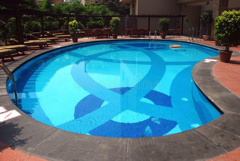 池游泳 免版税库存照片