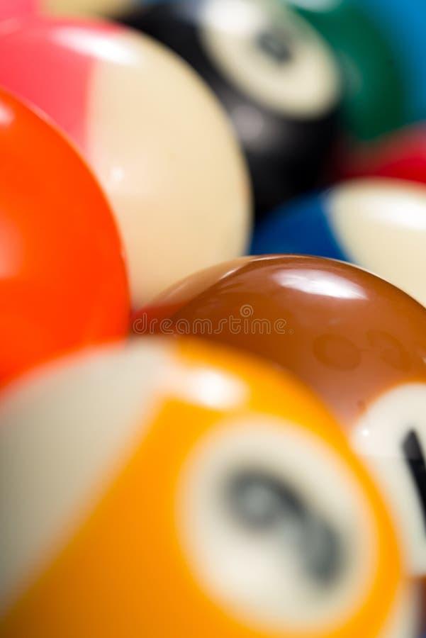水池球特写镜头在蓝色撞球台上的 图库摄影