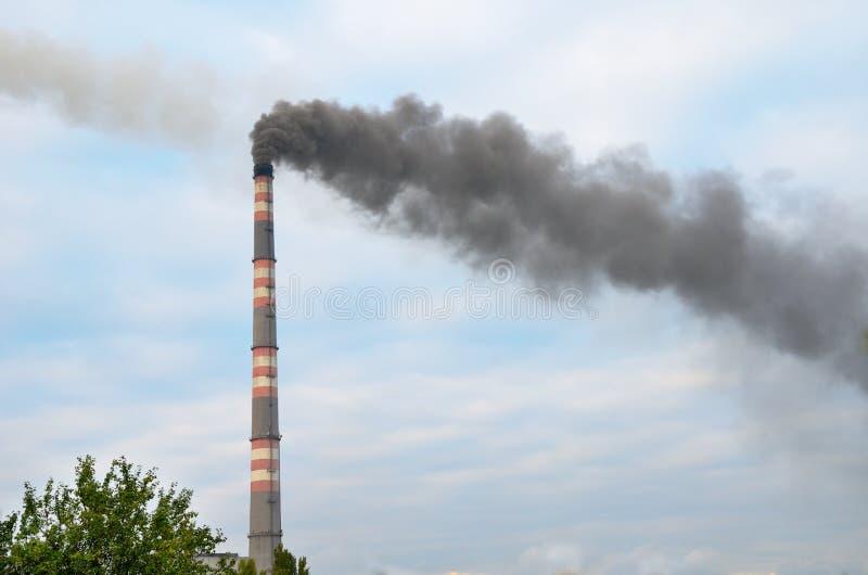 污染环境的烟窗 库存照片