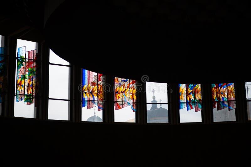 污迹玻璃窗颜色内部油漆教会发怒摘要基辅乌克兰宗教 图库摄影