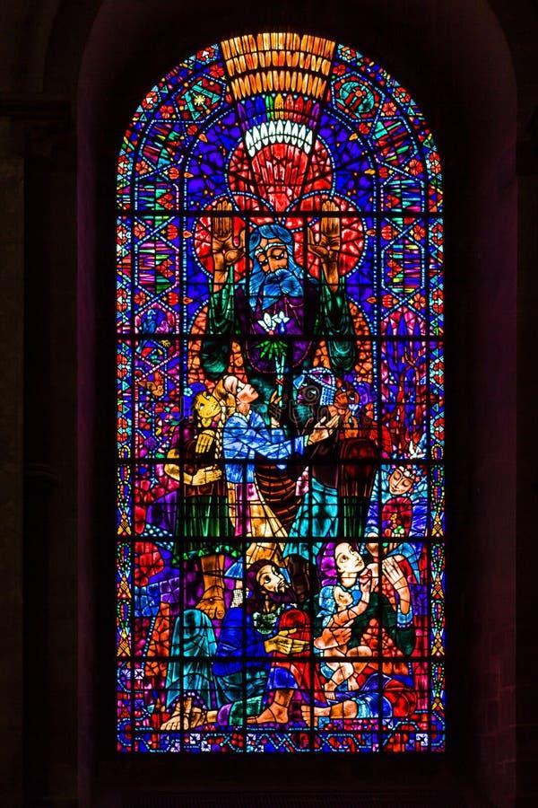 污迹玻璃窗在坎特伯雷大教堂里 肯特,英国 库存图片