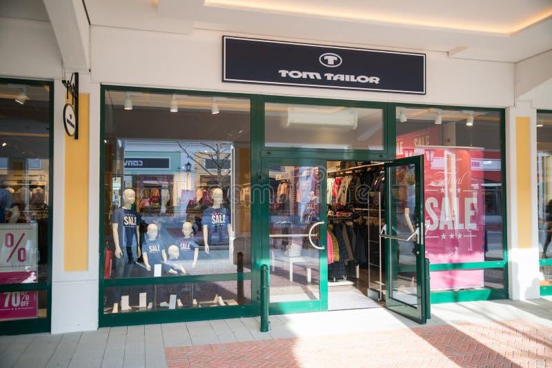 汤姆裁缝商店在Parndorf,奥地利 免版税库存图片