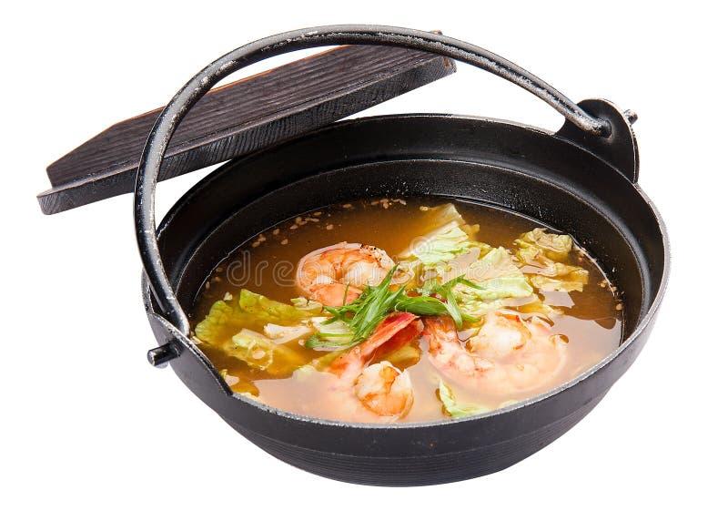 汤姆Goong辣汤传统食物烹调在泰国 库存照片