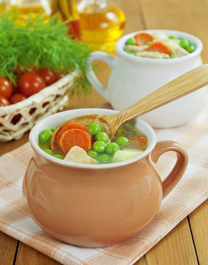 Download 汤用肉和绿豆 库存照片. 图片 包括有 樱桃, 匙子, 香料, 蕃茄, 焙盘, 木头, 绿色, 茴香, 草本 - 30335534