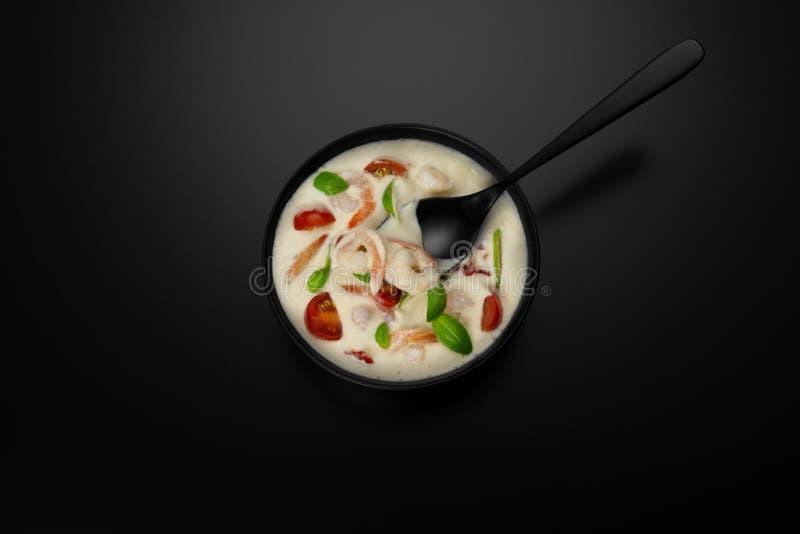 汤虾石灰蕃茄蓬蒿 免版税库存照片