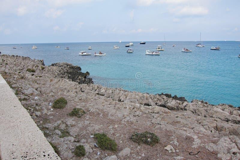 汽艇在圣维托洛卡波 免版税库存图片