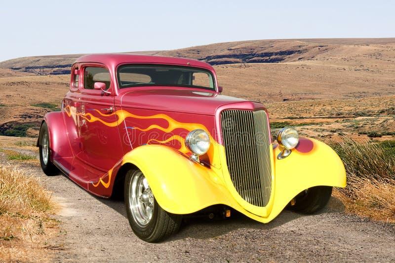 汽车五颜六色的旧车改装的高速马力&# 免版税库存照片