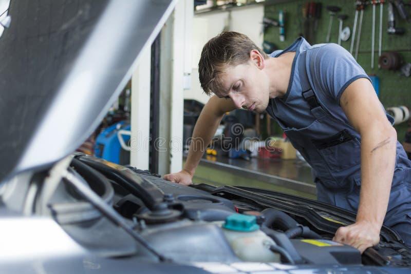 汽车修理师 库存图片