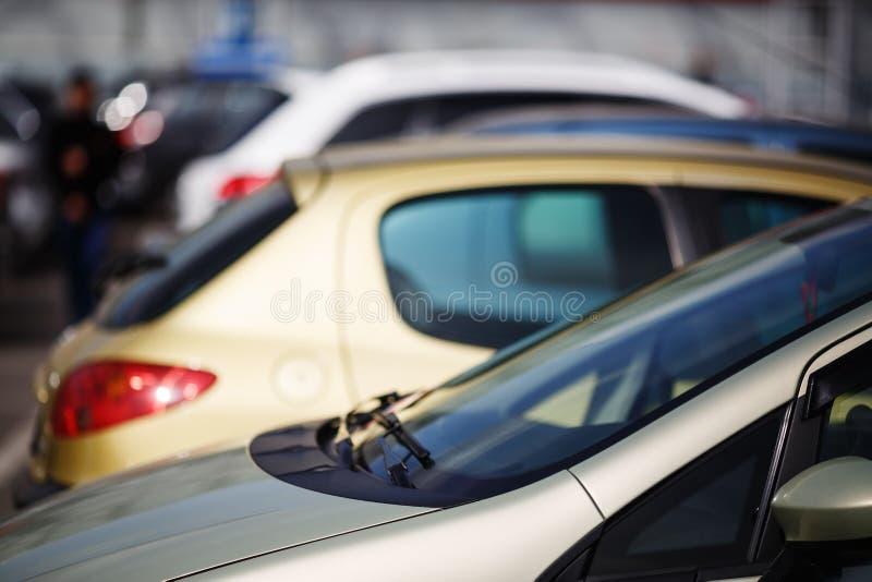 汽车停放 免版税库存照片