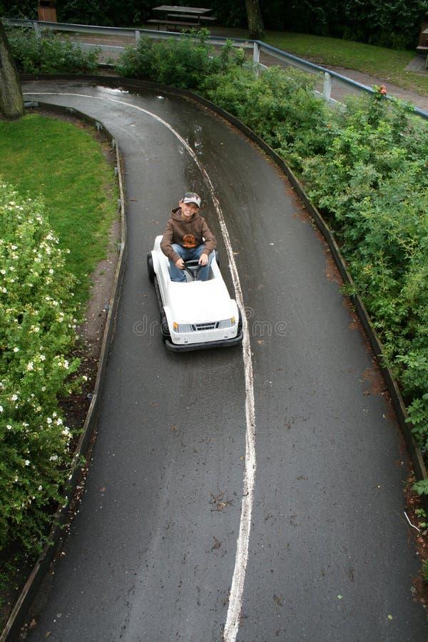 汽车儿童驾驶课 免版税库存图片