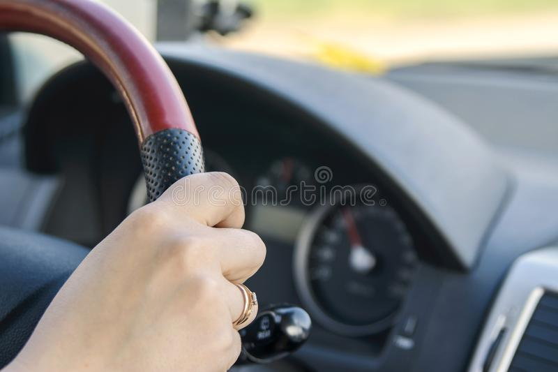 汽车内部指点运输轮子 库存图片