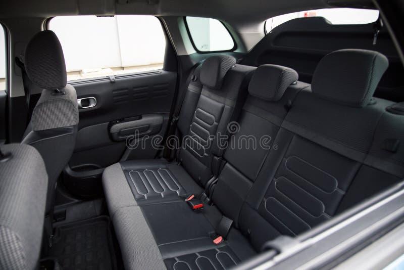 汽车内部:后座 免版税库存图片