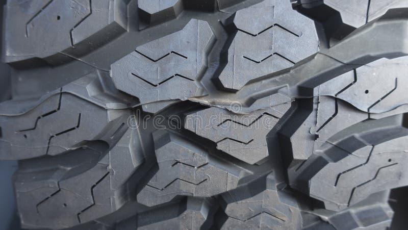 汽车卡车橡胶轮胎踩关闭gey黑色 库存图片