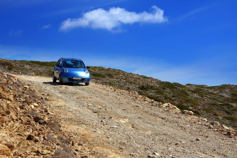 汽车土希腊山路倾斜 库存照片