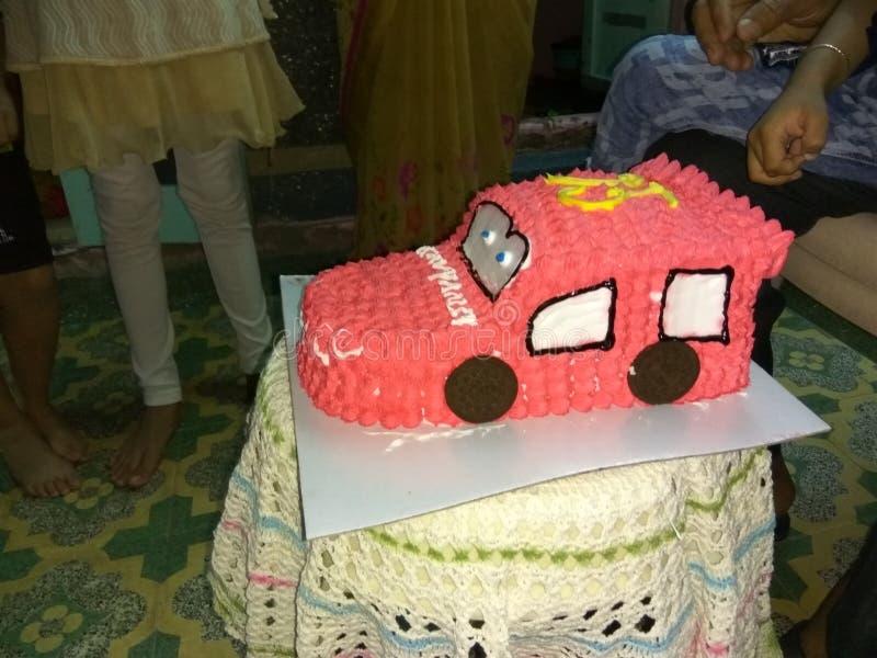 汽车形状的蛋糕 库存图片