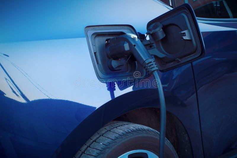 汽车快速的充电的电动车发电站缆绳选择 库存照片