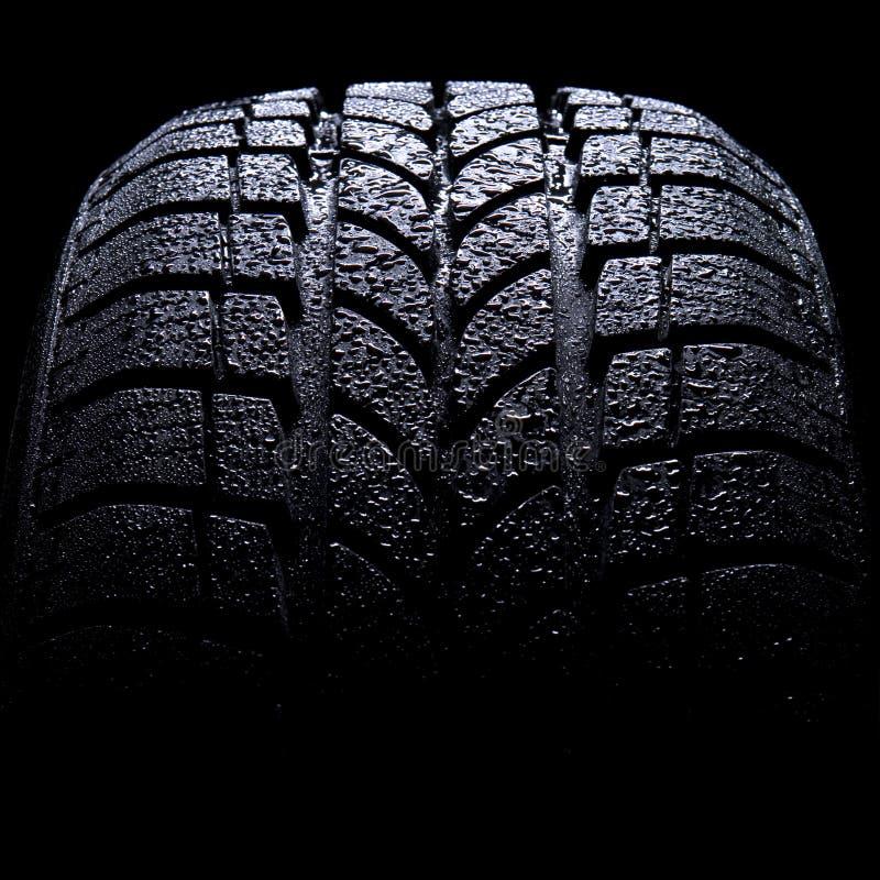 汽车接近的轮胎 免版税库存图片