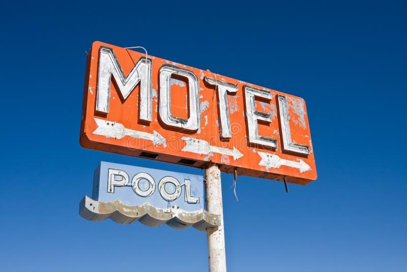 汽车旅馆符号葡萄酒 库存照片