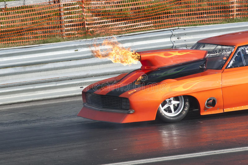 汽车短程加速赛展开, pic1 免版税库存图片