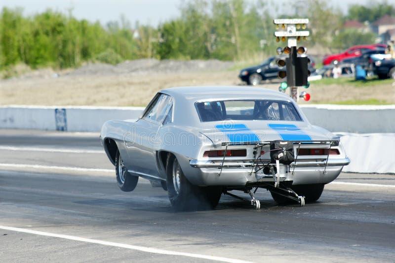 汽车短程加速赛 库存照片