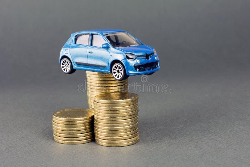 汽车经销权和出租车 图库摄影