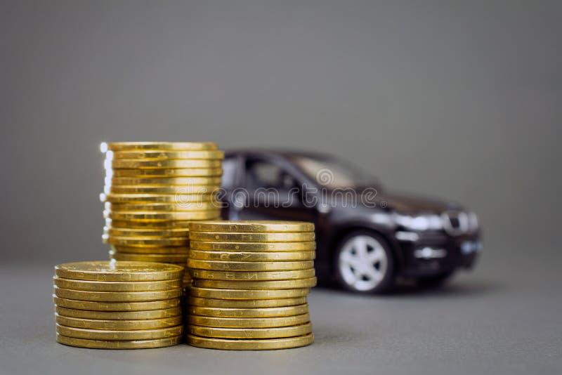 汽车经销权和出租车 免版税库存照片