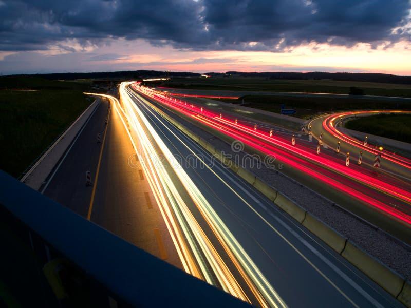 汽车车灯,有天空的背景 免版税图库摄影