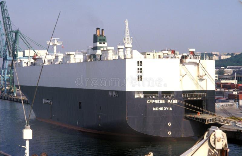 汽车运载船船在格丁尼亚港口 免版税库存图片
