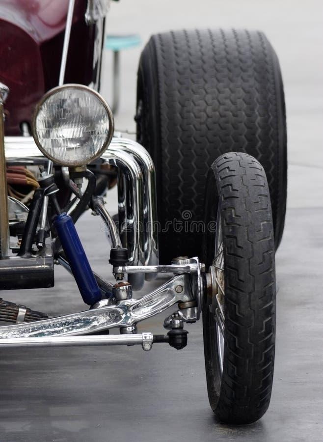 汽车阻力马力强大的赛跑的减速火箭的汽车 库存图片