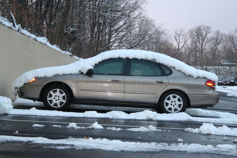 汽车雪 免版税库存图片