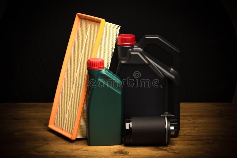 汽车零件,维护,机器油,油滤清器,空气过滤器 库存图片