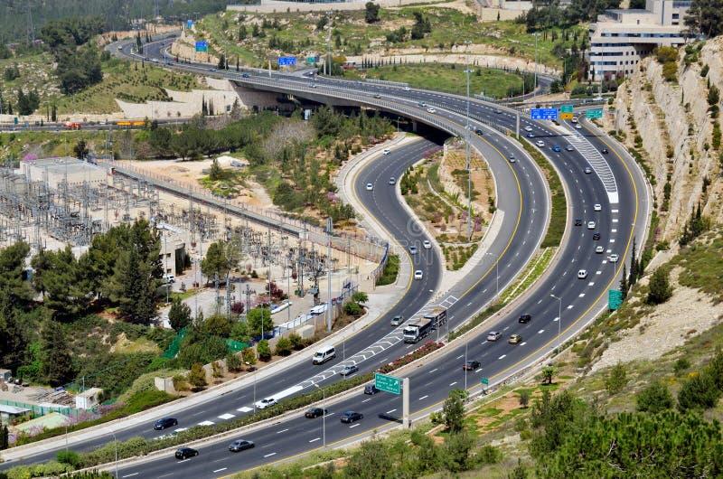 汽车高速公路许多的耶路撒冷顶视图 库存照片