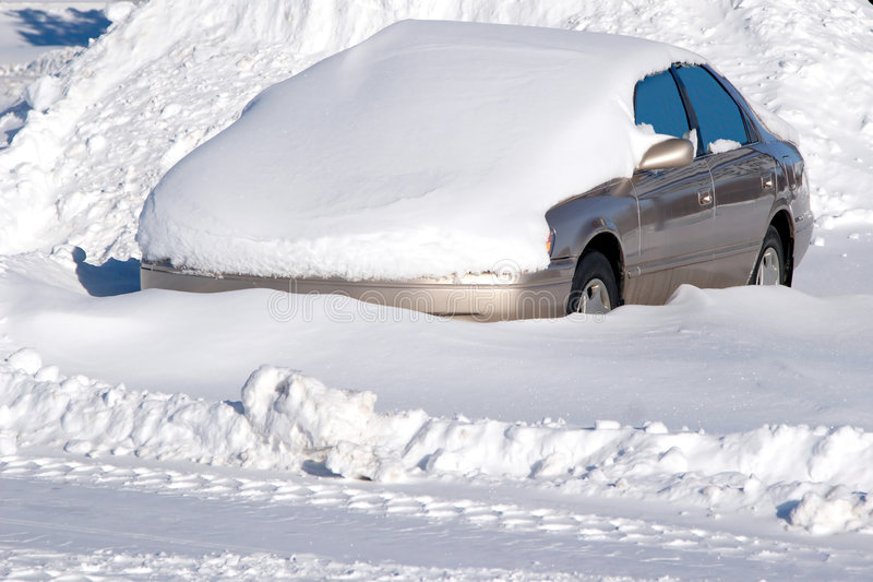 汽车snowbank 免版税库存照片