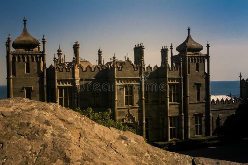 沃龙佐夫宫殿从小山克里米亚的边门面看法  库存照片